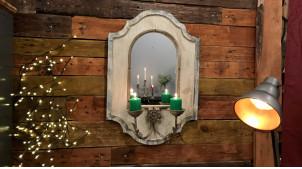 Grand miroir mural en bois effet vieilli avec chandeliers frontal en métal finition oxydé, ambiance vieille maison, 69cm