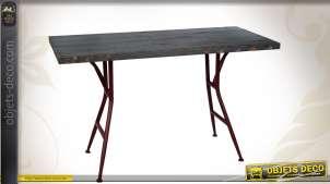 Table à manger vintage en métal coloris noir et rouge