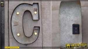 Décoration murale en métal Lettre C avec éclairage LED