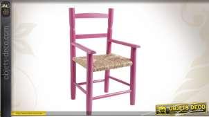 Chaise enfant en hêtre laqué framboise, siège roseau