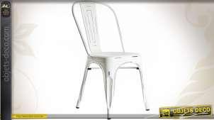 Chaise en métal de style vintage finition blanc antique