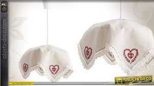 Suspension décorative coloris blanc et rouge motifs coeurs