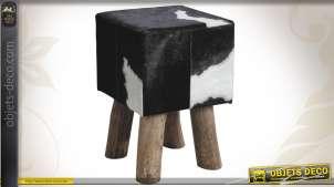 Tabouret en bois de forme carrée avec assise en peau de vache