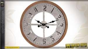 Horloge murale en bois et en métal