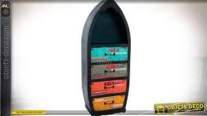 Etagère bibliothèque en forme de coque de bateau