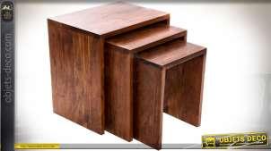 Série de trois tables gigognes d'appoint en shesham massif