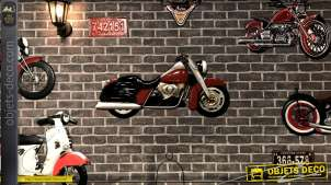 Reproduction d'une grande moto en métal, finitions industrielles rouges et noires, esprit motors, 96cm