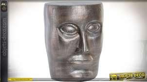 Bout de canapé en forme de tête stylisée finition aluminium argenté Ø 35 cm