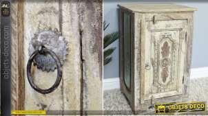 Table de chevet en bois recyclé de style indien aspect ancien 70 cm