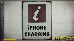 Plaque murale déco vintage en métal : iPhone Charging ! 40 x 30 cm