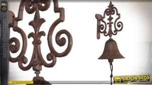 Cloche de porte en métal brun vieilli avec potence ornementée 24 cm