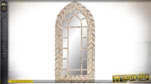 Miroir mural en bois clair sculpté style gothique forme ogivale 145 cm