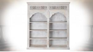 Bibliothèque orientale en manguier sculpté patine blanche 200 cm