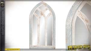 Miroir de style gothique en bois finition ancienne, reflets turquoises vintages