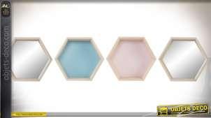 Série de 4 étagères murales hexagonales bois clair teintes pastel et miroir Ø 31 cm