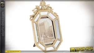 Cadre photos avec encadrement doré à facettes en miroirs de style baroque