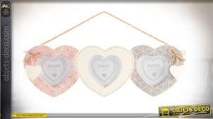 Pêle-mêle à 3 vues en forme de 3 coeurs suspendus coloris pastel 35 cm