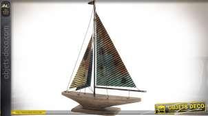 Maquette stylisée en bois et métal de voilier effet métal irrisé 78 cm