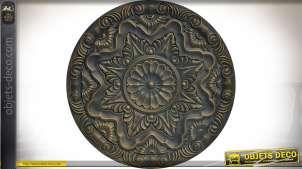 Fresque circulaire en bois sculpté patine vieux bronze doré en relief Ø 40 cm