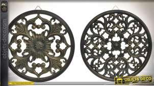 Série de deux fresques murales circulaires en bois sculpté à motifs baroques