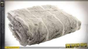 Plaid en fausse fourrure à poils longs coloris gris clair et blanc 170 x 130 cm