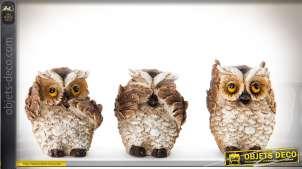 Série de 3 petites statuettes de hiboux en résine teintes mordorées