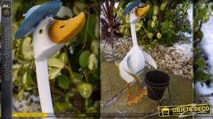 Personnage décoratif en métal : canard jardinière
