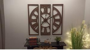 Grande horloge de style rétro en triptyque fabriquée en métal brun finition vieillie, 100x100cm