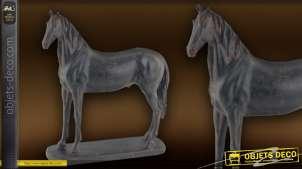 Statuette de cheval imitation métal ancien