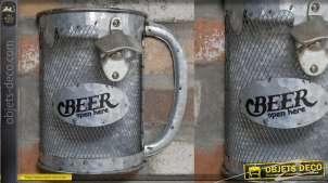 Décapsuleur mural en métal type zinc avec bac de récupération, forme de chope de bière