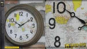 Horloge ronde en métal, encadrement aspect oxydé, planisphère coloré en fond, 41cm