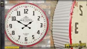 Horloge murale en métal style ancien pub américain, blanc et rouge aspect vieilli, 60cm