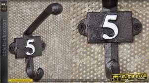 Patère murale en fonte, collection Numbers, modèle numero 5