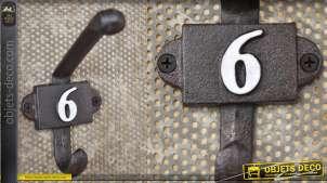 Patère murale en fonte, collection Numbers, modèle numero 6