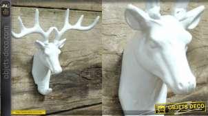 Crochet mural en métal en forme de tête de cerf style trophée, finition blanc effet laqué