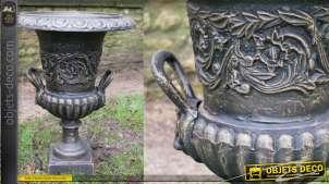 Grand vase style Médicis en fonte, finition noir et reflets bronze effet ancien, 63cm de haut