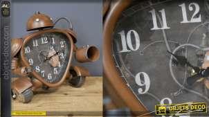 Horloge à poser en forme de robot vintage finition cuivré mat, 26cm de haut (pas un jouet)