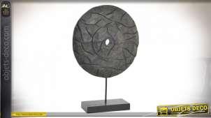Décoration à poser esprit trophée en bois de manguier massif sculpté, finition noir charbon, de style ethnico moderne, 51cm