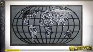 Grand cadre mural avec représentation d'un planisphère, en bois et métal finition noire et blanc, 122cm