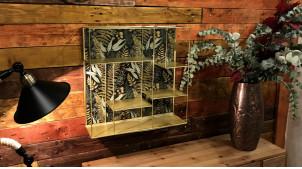 Etagère murale de forme carrée en métal finition dorée, fond de feuilles tropicales, 50cm