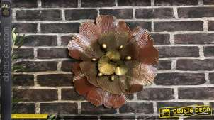 Grosse fleur en métal finition rose poudré brillant et notes de doré, style moderne romantique, Ø44cm