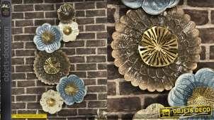Grande déco murale en métal, formes de fleurs en finition brillantes et pastelles, de style moderne 92cm