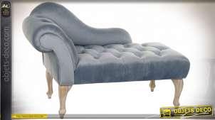 Méridienne en bois finition blanchie et velours bleu ciel satiné, assise et dossier capitonnés, esprit Impératrice, 119cm