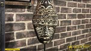 Masque en bois de suar sculpté sur socle en métal noir finition brillant, 44cm