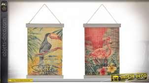 Série de deux décorations murales esprit papyrus à dérouler et suspendre, motifs d'oiseaux tropicaux, 39cm