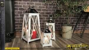 Série de 3 lanternes en bois laqué blanc et métal chromé 69 cm