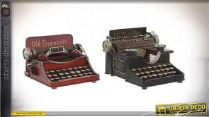 Série de 2 anciennes machines à écrire de style rétro en métal, rouge et vieux noir