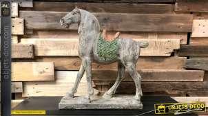 Représentation d'un cheval en résine imitation bois sculpté, décoration à poser de style vintage, 54cm