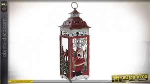 Lanterne en métal décorée sur le thème de Noël