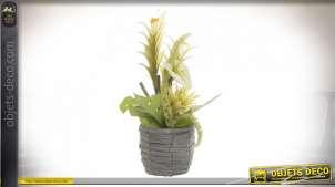 Coupe de plantes artificielles avec panier en rotin, modèle de fleurs jaunes